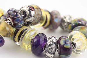 trollbeads-purple-and-gold.jpg